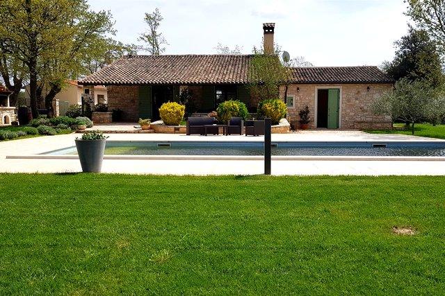 Istra - Bale,  Villa s bazenom na imanju od 32.000m2