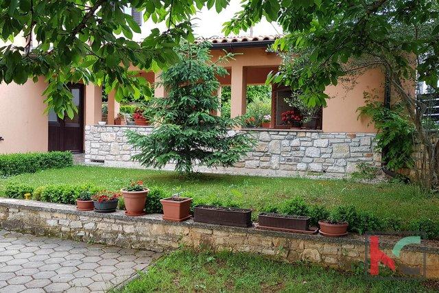 Rovinj, luxury apartment house 502m2 on a beautiful location