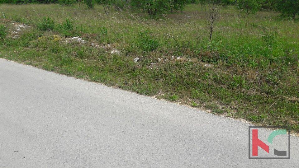 Kanfanar, gradbeno zemljišče Marići 5885m2