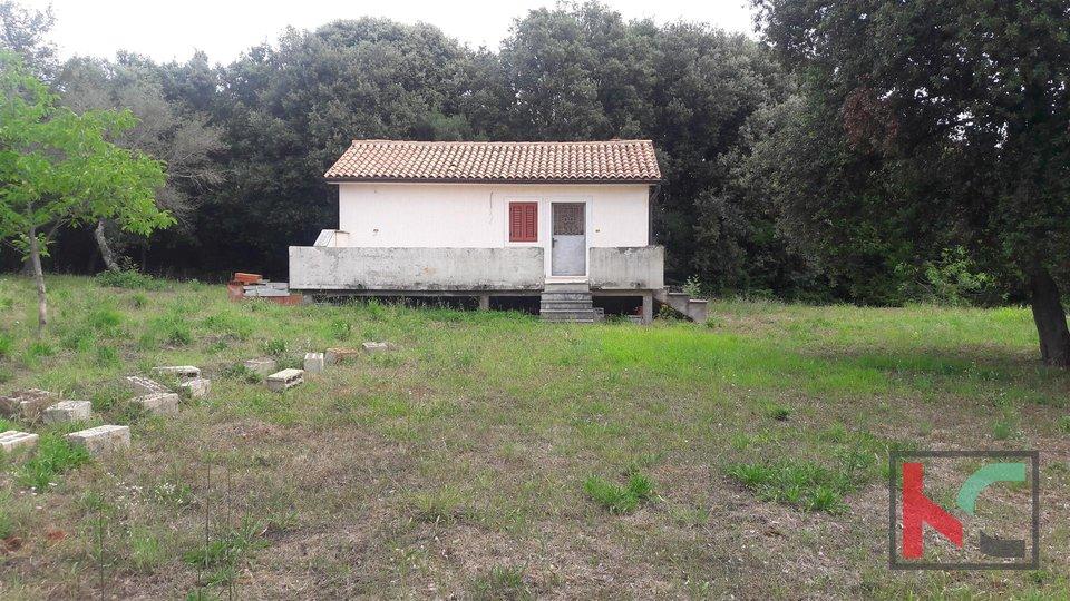 Rovinj, Haus 73m2 schöne Lage Garten 3003m2