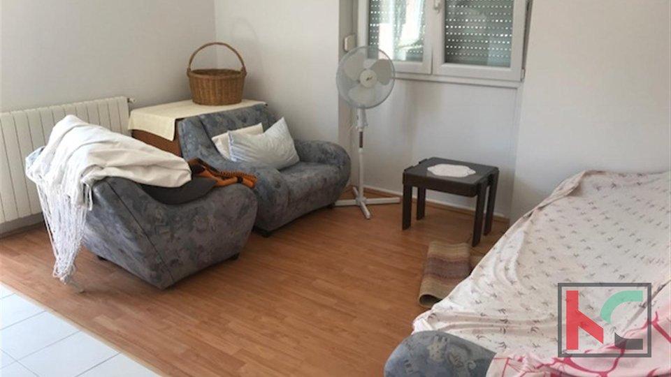 Premantura, freistehendes Haus 110m2 mit Garten, ruhige Lage, nahe am Meer