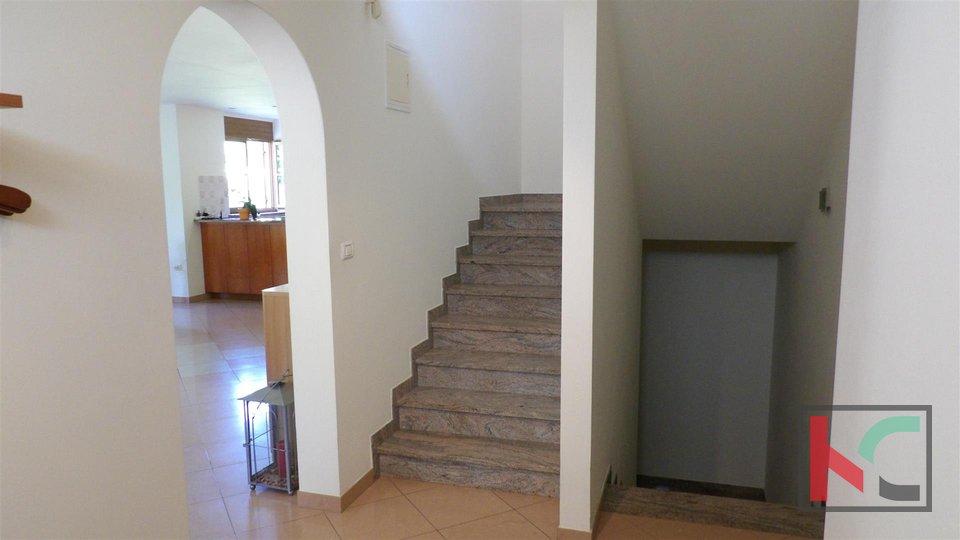 Istria - Medulin, attractive house in a very quiet location