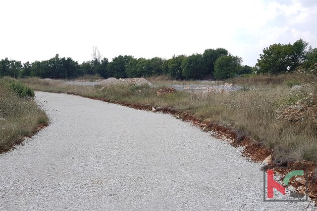 Istria - Bičići building plot 1145m2 with project and paid utilities