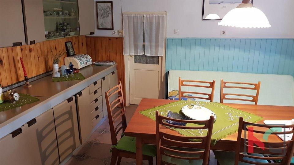 Svetvincenat, Smoljanci house 190m2 with auxiliary facilities, garden 2300m2