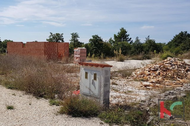 Štokovci, building land of 1528m2 with started construction