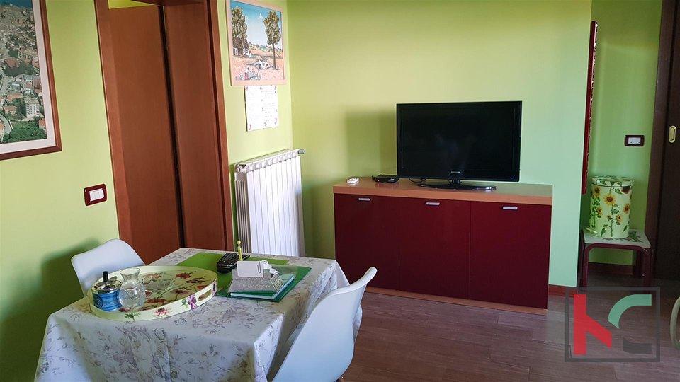 Rovinj, samostojeća kuća 360m2 tri stana i zasebna kućica odlična lokacija