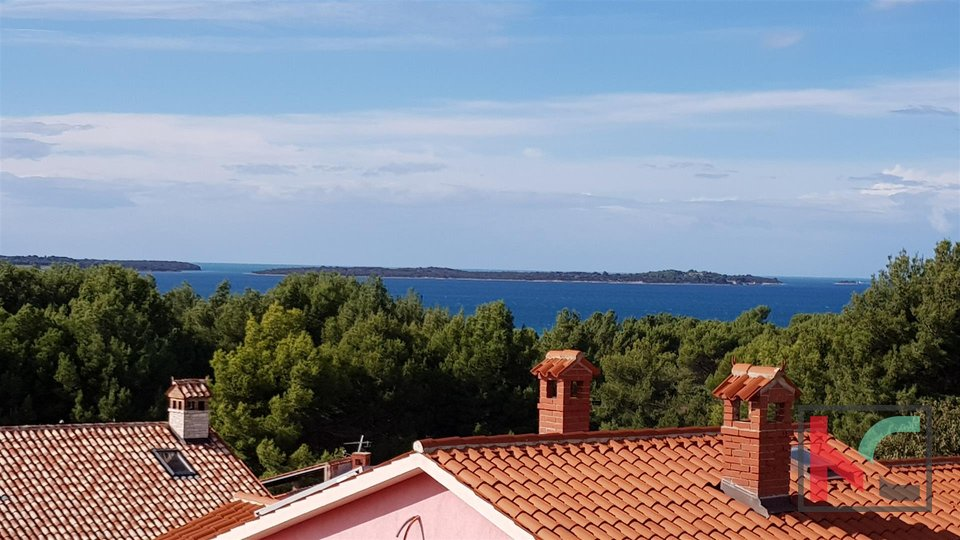 Fazana, attractive 74,98m2 two-storey apartment and panoramic view of Brijuni and the sea