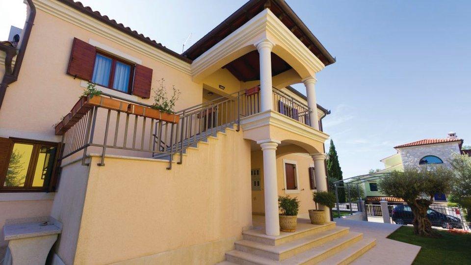 Istrien, schöne Villa mit Pool in Banjole-Volme auf einem 884m2 großen Garten