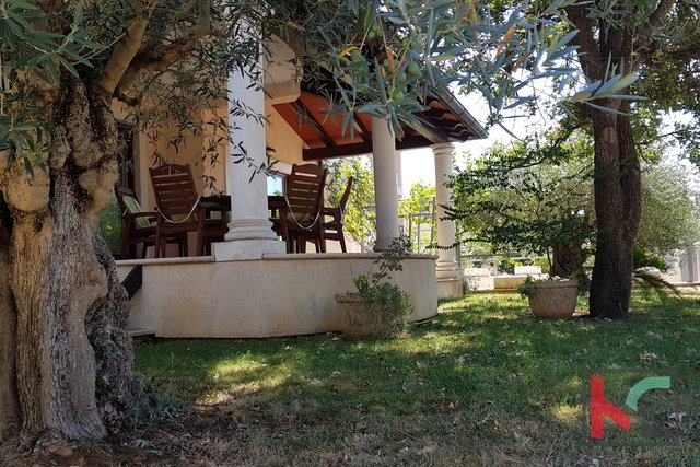 Istria, beautiful villa with swimming pool in Banjole-Volme on 884m2 garden