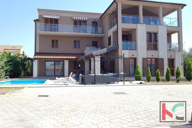 Medulin, Volme attraktives Haus in der Nähe von Marina und Strand