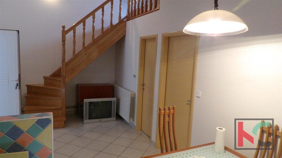 Istrien, Pula, Familienhaus mit vier Wohneinheiten 395m2