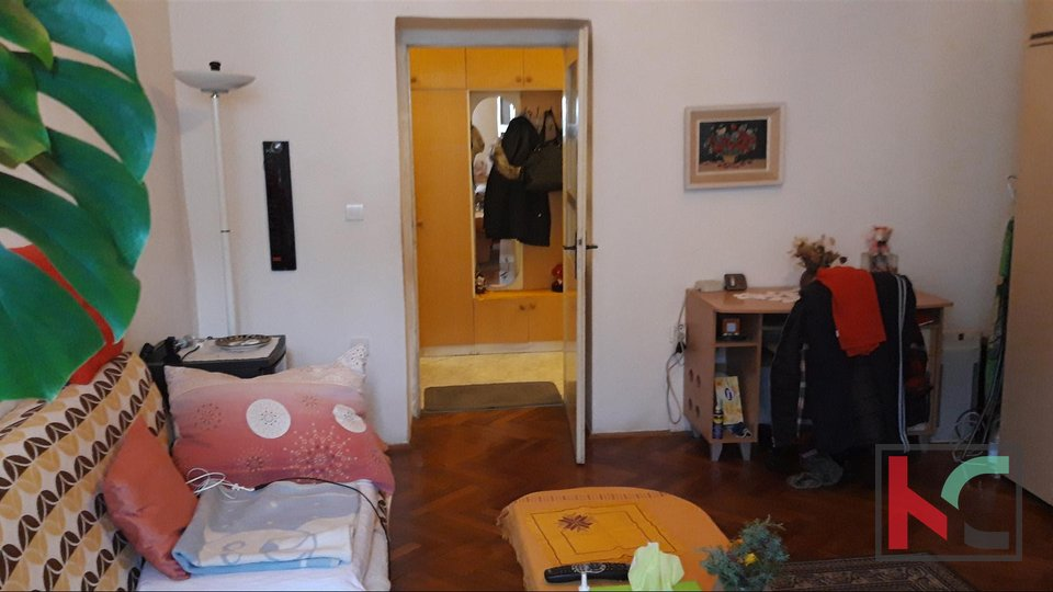 Pula, two bedroom apartment in the town center