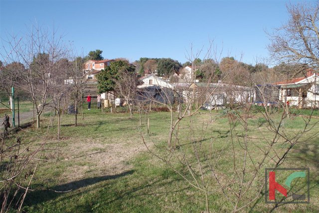 Istria, Pula, ground floor house with 934m2 land