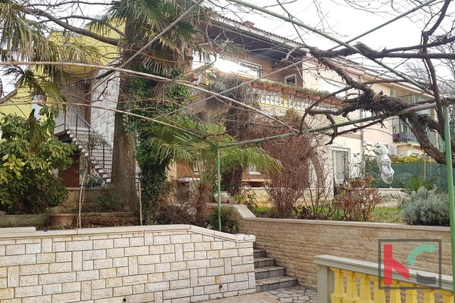 Pula, Center House 340m2 in an exceptional location in Old Town / sea view