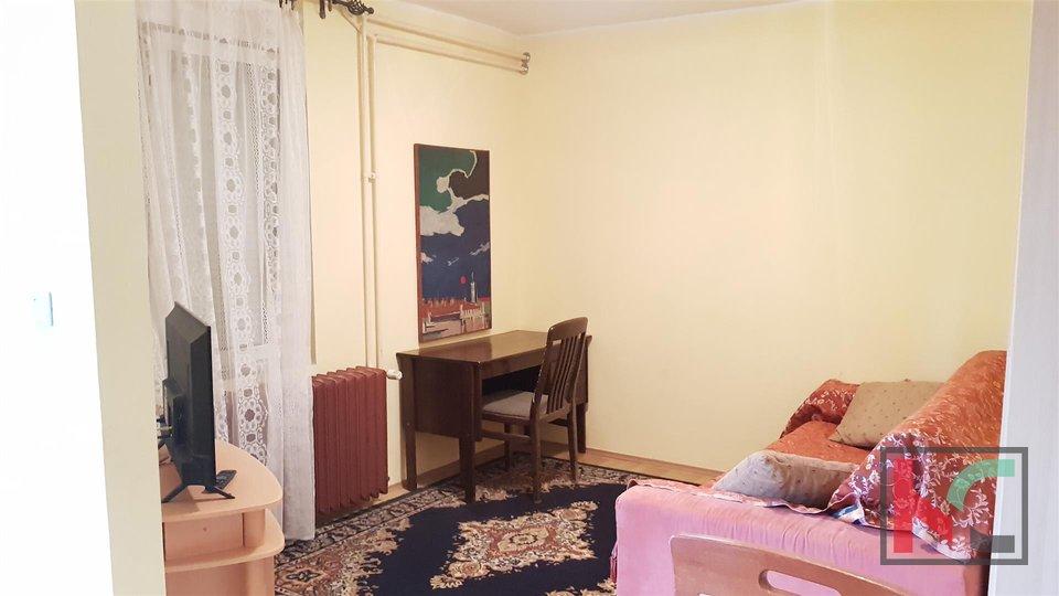 Pula, Center Haus 340m2 in außergewöhnlicher Lage in der Altstadt / Meerblick