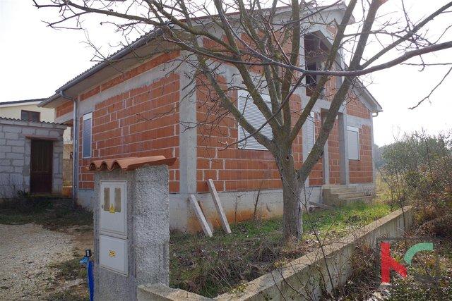 Istrien, Fazana, Valbandon Haus 162m2, Grundstück 499 m2