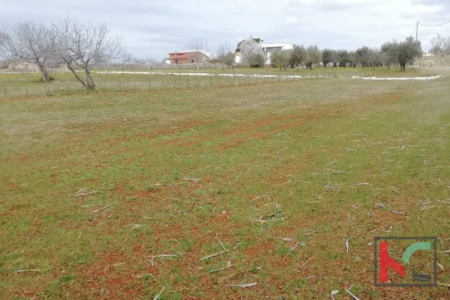 Vodnjan, building land 1205m2