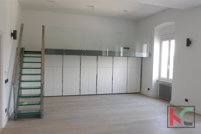 Pula, Center two bedroom apartment 106,37m2 near the Arena