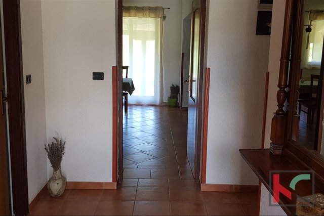 Rovinj, Kanfanar detached house 199m2 with garden of 1325m2