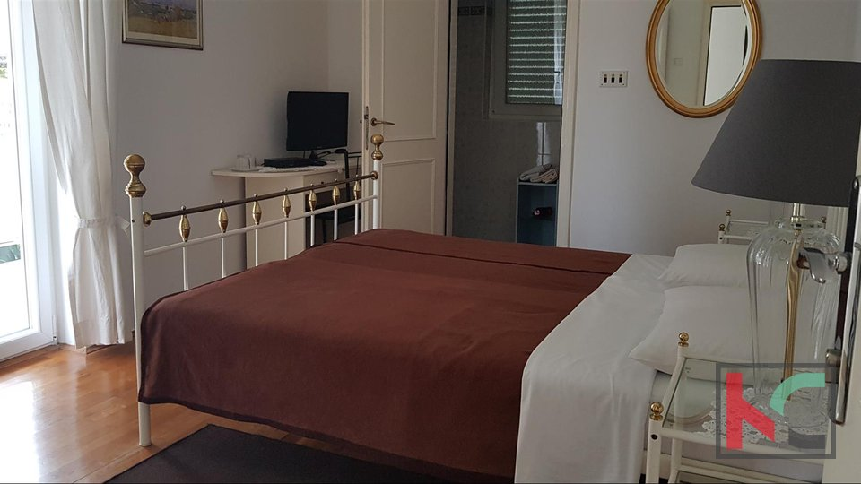 Rovinj, freistehendes Mehrfamilienhaus 511 m2 auf einem Grundstück von 806 m2