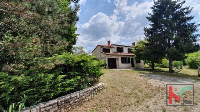 Istria - Žminj, house on a beautiful location with 13.674 m2 of construction garden