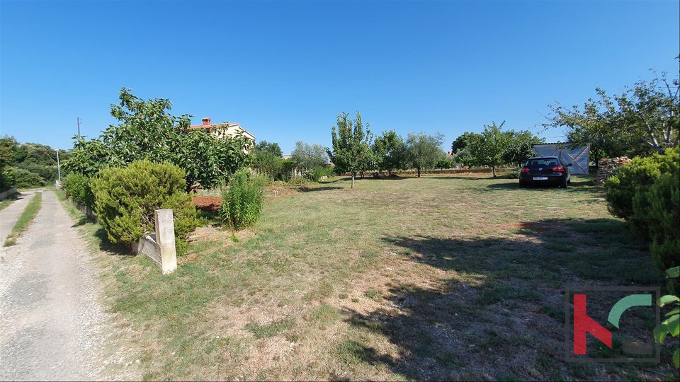 Baugrundstück 1002m2 mit einem legalisierten Grundstück in der Nähe des Stadtzentrums