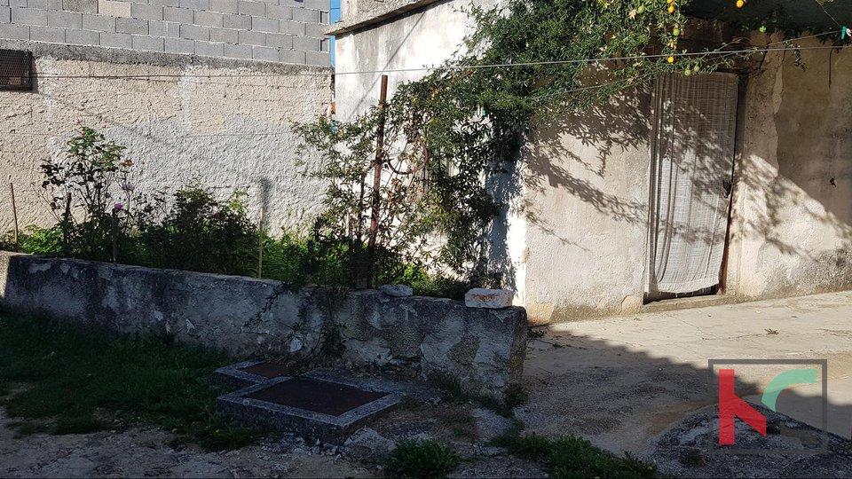 Barban, Grandići istrianisches Haus 170m2 mit kleinem Garten