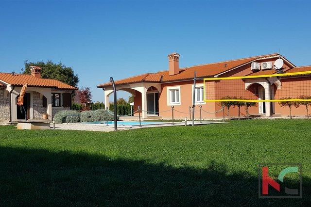 Istra, Labin kuća 168m2 s bazenom i okućnicom 1623m2