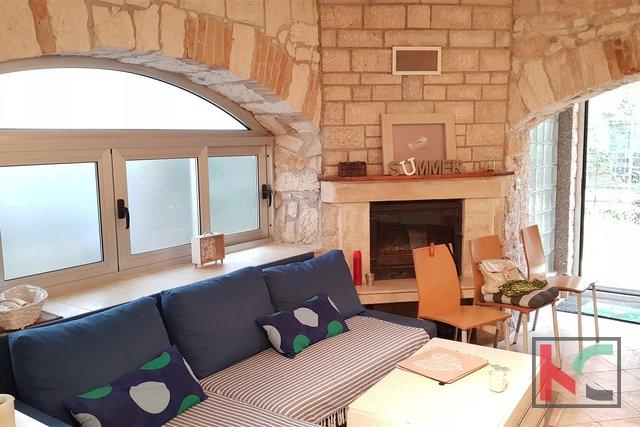 Pula, bella casa di 190 m2 con giardino