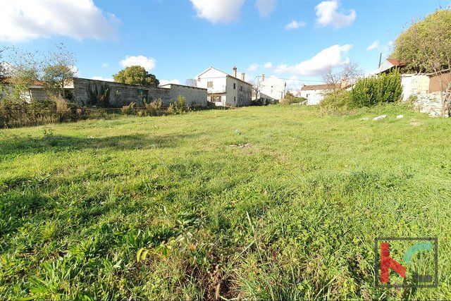 Istria - Jursici, attractive building plot of 1209m2 / preliminary design
