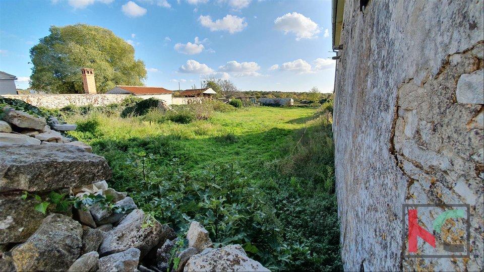 Istrien - Jursici altes Haus mit 1209m2 Baugrundstück - GELEGENHEIT