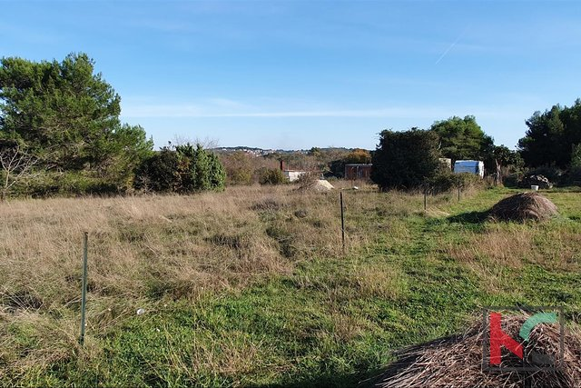 Pula, Stinjan building plot 838m2, quiet location