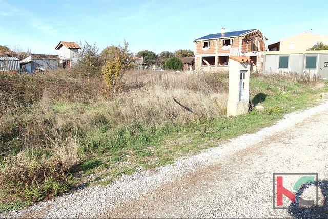 Pula, Štinjan građevinsko zemljište 600m2 pravilnog oblika