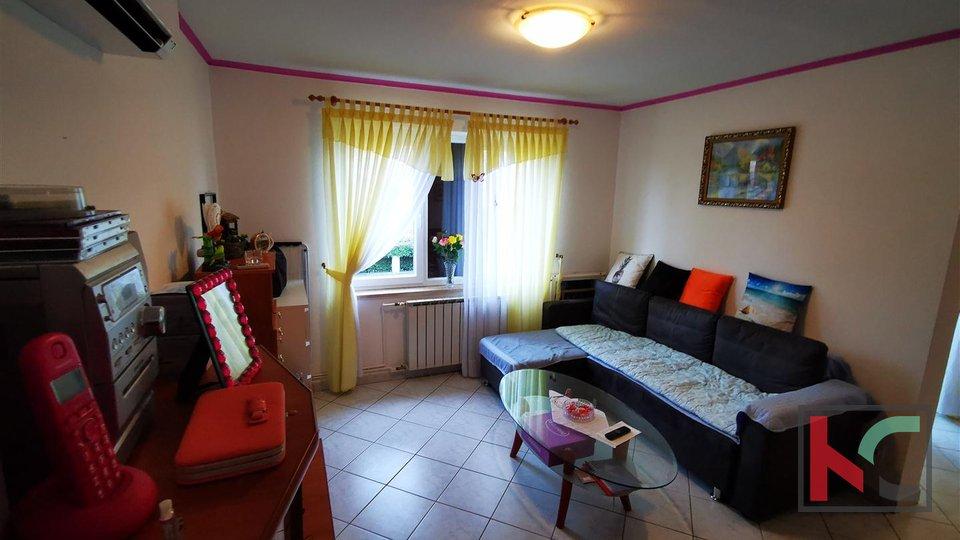 Pula. Šijana, stan 77,87m2, 2 Spavaće sobe + Dnevni boravak sa vrtom
