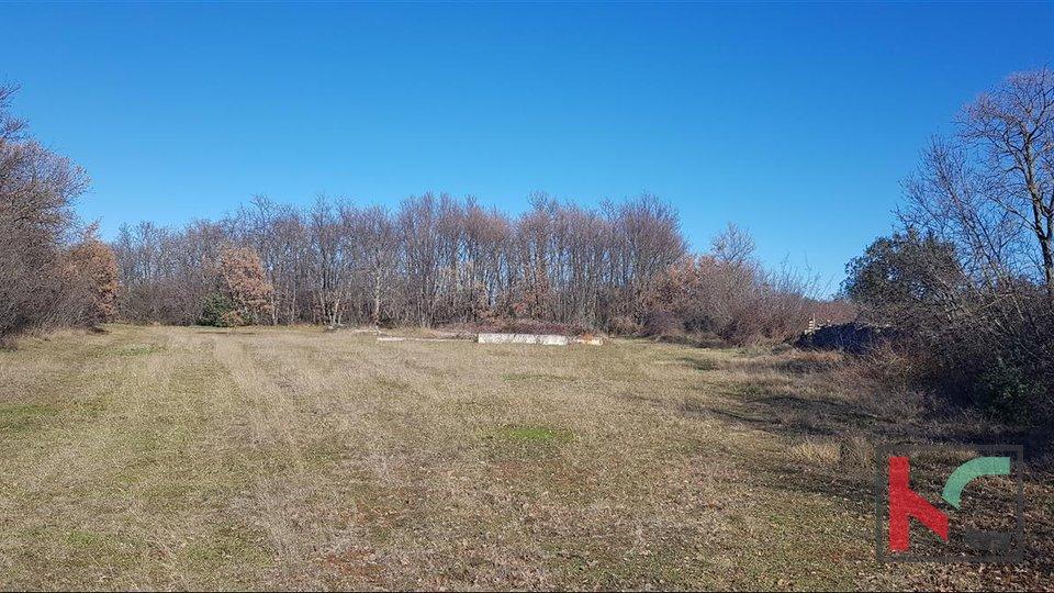 Vodnjan, Gajana Baugrundstück 2647m2