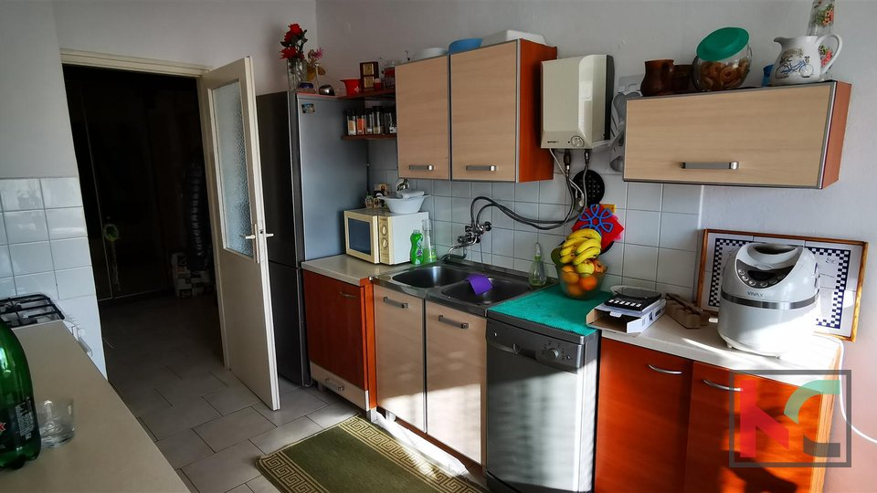 Pula, Veruda apartma 89,61m2, 2 spalnici, 2 dve terasi