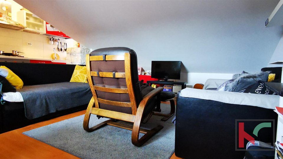 Pula, Centar, appartamento 44,80m2, 2 camere da letto - attico moderno