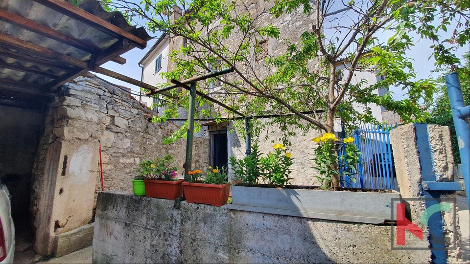 Istria, Vodnjan, house 175m2 with 100m2 garden and garage
