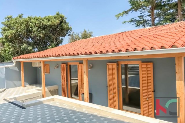Pula, Veli Vrh, detached house 255m2 modernly decorated