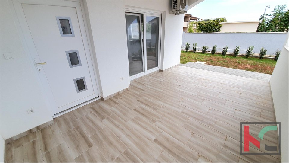 Istria, Peroj-Barbariga, Three bedroom apartment 83.21 m2 with 70 m2 garden