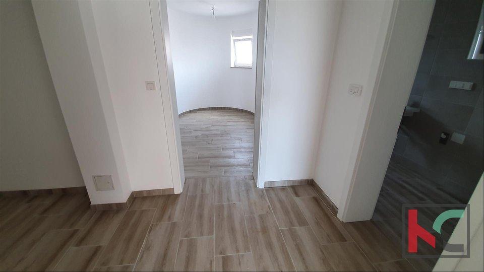 Istra, Peroj-Barbariga, Dvosoban Apartman 70,38m2 sa 60m2 vrta