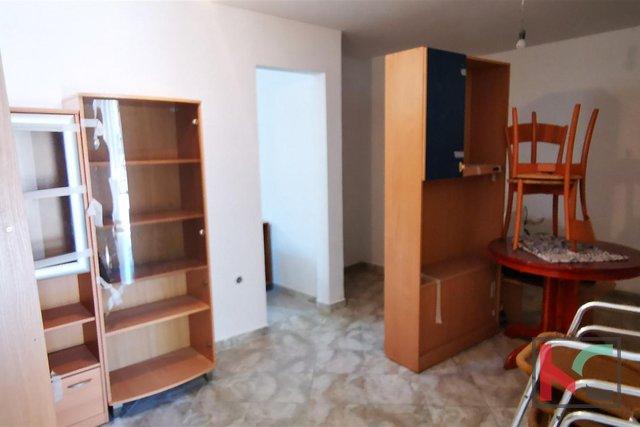 Pula, Šijana, rinnovato appartamento con quattro camere da letto 77m2