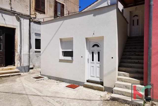 Pula, Šijana, kompletno adaptirani stan 109m2 sa dvije jedinice