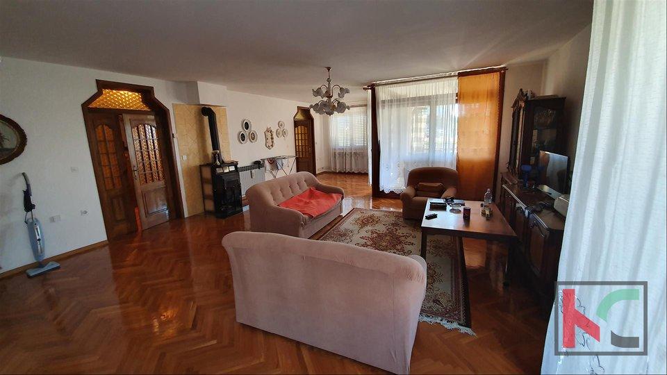 Pula, Lungo Mare, kuća 524m2 - 100m od mora