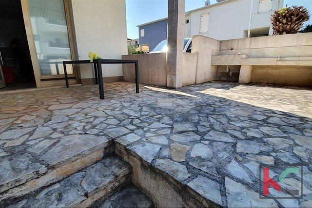 Istrien, Premantura - Volme, Wohnung mit drei Schlafzimmern 62,24 m2 mit einer geräumigen Terrasse