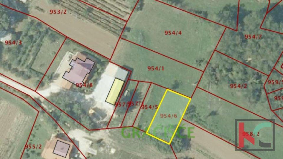Building land 423m2 in a quiet location of Istria (Gračišće)