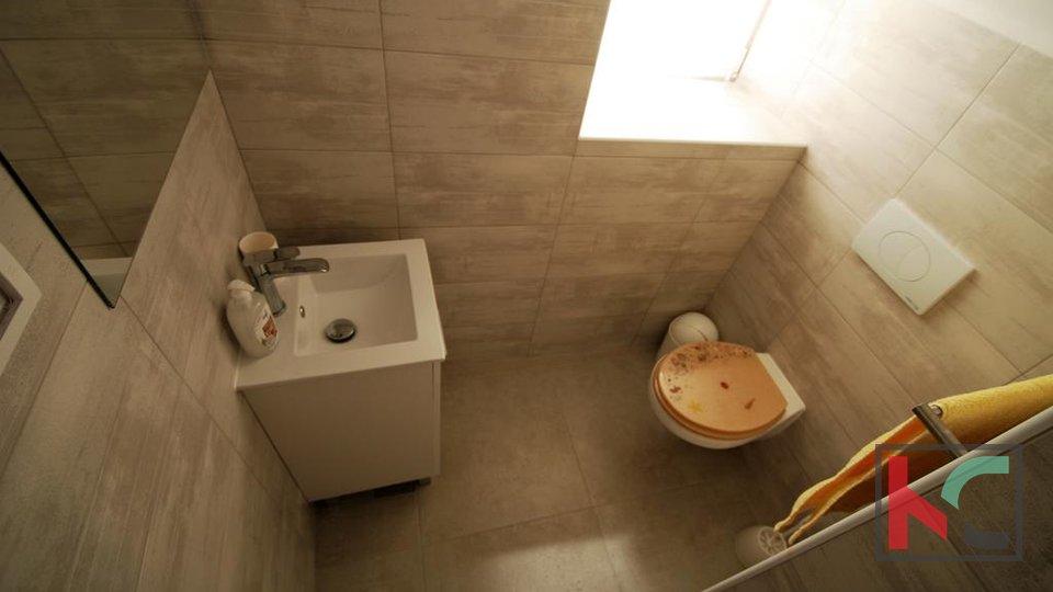 Rovinj, Rovinjsko selo renovated stone house 200 m2 with barn 50 m2 and garden 300 m2