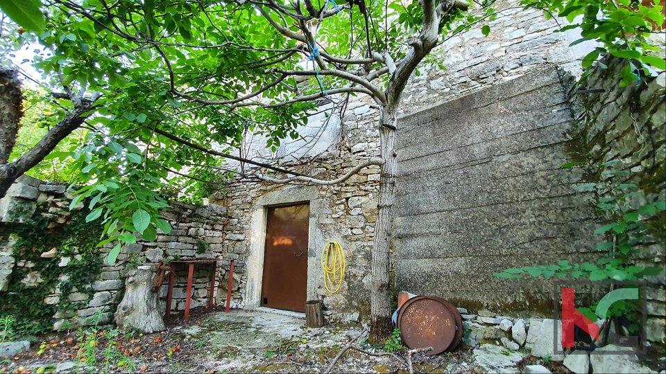 Istria - Barban - Glavani, vecchia casa istriana con giardino