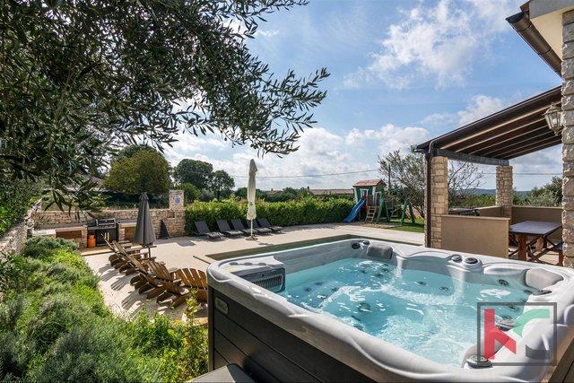 Istra, Vila 237,40 m2 na parceli 847 m2 z bazenom