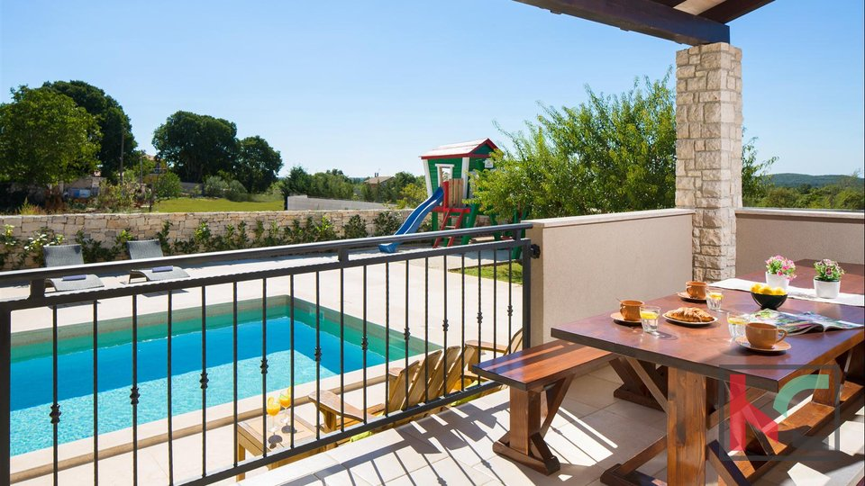 Istra, Vila 237,40m2 na okućnici 847m2 sa bazenom
